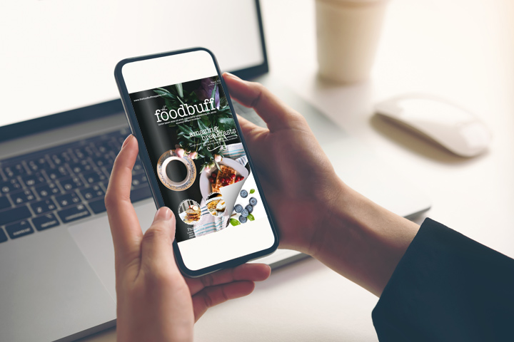 Flip book libro digitale sul smartphone con un effetto di capovolgimento di pagina