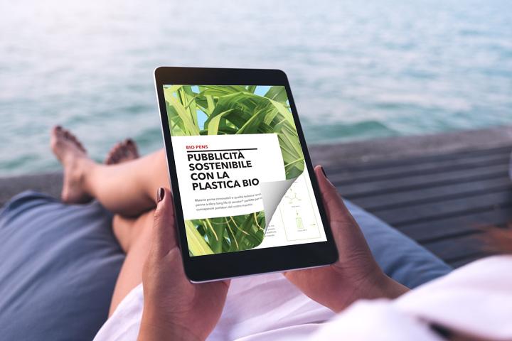 Flip book online sul tablet con un effetto di capovolgimento di pagina